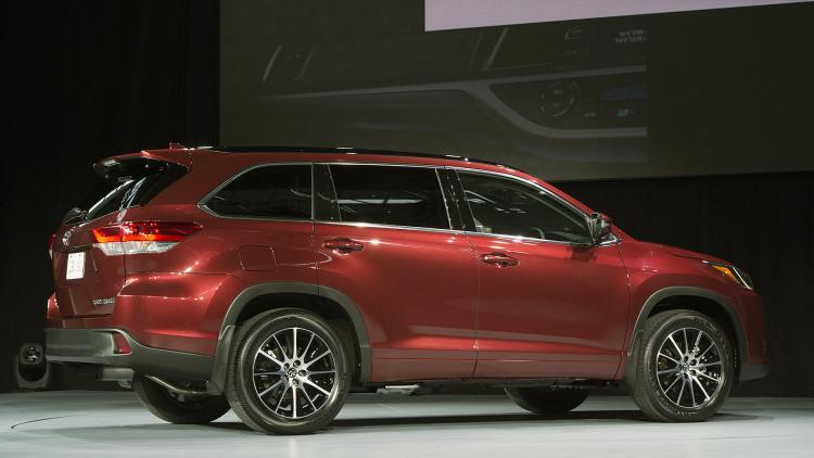 2019 Lincoln Navigator Specs Price >> 2017 Toyota Highlander LE engine, specs - Best 8 passenger vehicles